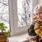 Comment aider les personnes âgées à éviter la solitude?